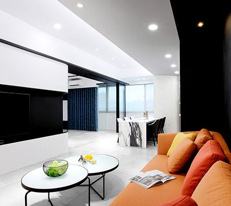 高端別墅室內設計中,地面色彩構成中,地板、地毯和所有落地的家具陳設均應考慮在內