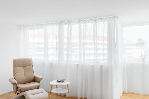 在室內設計中必須根據建築空間的實際情況和使用者的具體要求進行二次設計