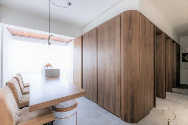 室內設計: (Interior design)包括視覺環境、物理環境、心理環境文化內涵及工程技術等