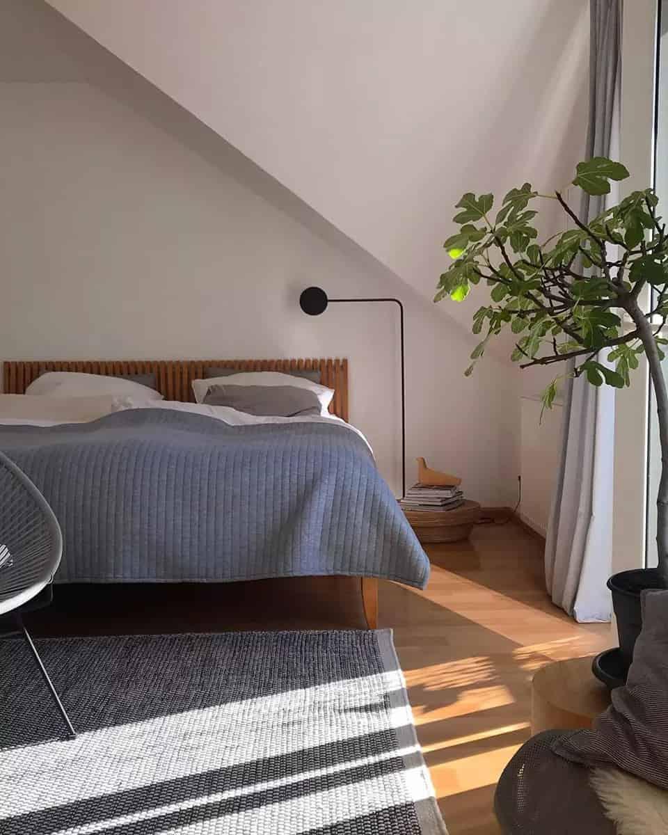 現代室內設計作為一門新興的學科,儘管還只是近數十年的事,但是人們有意識地對自己生活、生產活動的室內進行室內裝修與室內裝潢