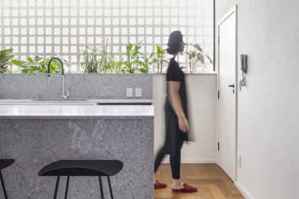 客廳室內設計採用簡約現代的裝潢風格是思想追求和精神情趣的直接反映