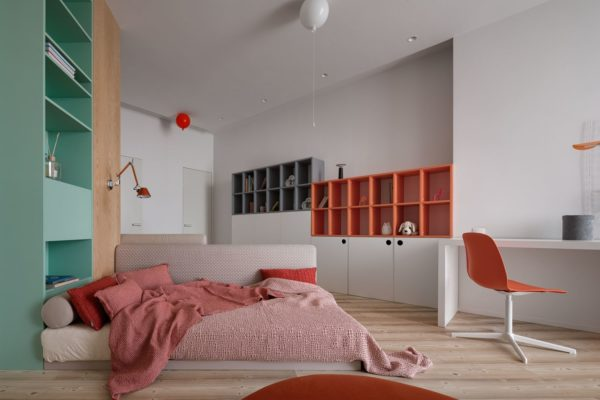 白色的牆壁易於使用,並且一定會使房間室內設計感覺輕盈而空靈。