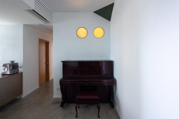 室內設計涉及空間、家具、燈具、織物、裝飾小品等物品